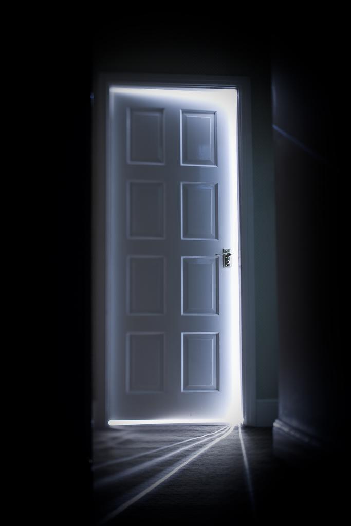 3be359fe8be A porta oculta | Pão Diário