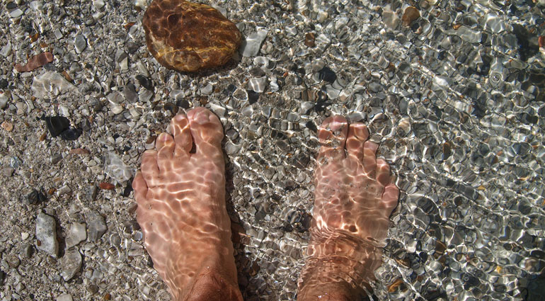 Molhar os pés!